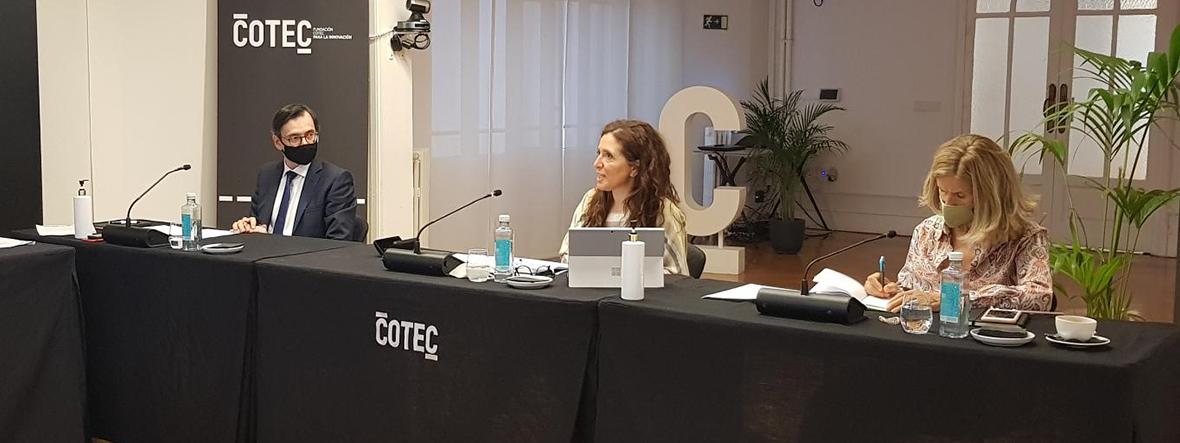 Enric Fernández preside por primera vez el Comité de Economía, en representación de CaixaBank