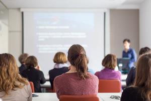 Prevención de Riesgos Laborales para docentes en fase de prácticas: Educación Física, Audición y Lenguaje, Inglés, Pedagogía Terapéutica y Música (Edición 1)