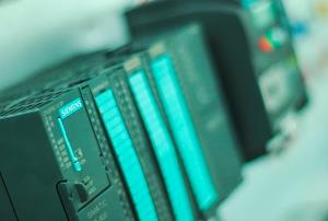 INTEGRACIÓN DE TECNOLOGÍAS DE AUTOMATIZACIÓN. AUTÓMATA PROGRAMABLE (Siemens S7-1200) Y VARIADOR DE FRECUENCIA (Omron 3G3EV) (Edición 1)