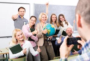 Centros educativos que deseen acoger a un docente extranjero