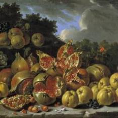 Bodegón con granadas, manzanas, acerolas y uvas en un paisaje