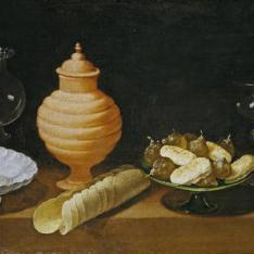 Bodegón con dulces y recipientes de cristal