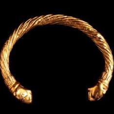 Brazalete helenístico