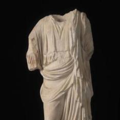 Némesis del escultor Agorácrito