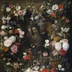 Guirnalda rodeando a la Virgen María