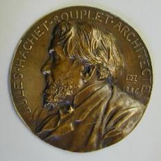 Medallón con el retrato del aquitecto Jules Hachet - Souplet