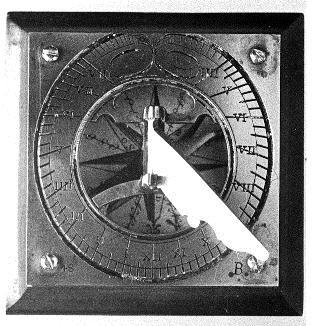 Brújula y reloj de sol