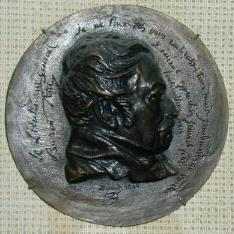 Medallón con el retrato del general Jean Martin Petit