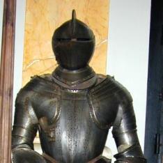 Armadura según modelos del siglo XVI