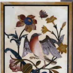 Placa con pájaros y flores