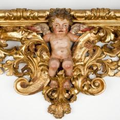 Frente de madera dorada