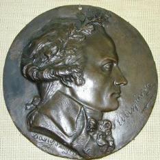 Medallón con el retrato de Maximilien de Robespierre