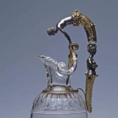 Jarro de cristal con Narciso y una sirena en el asa