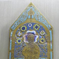 Lateral de arqueta con figura de apóstol