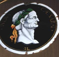 Placa del emperador Julio César