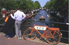 Amsterdam, la ciudad que tiende puentes