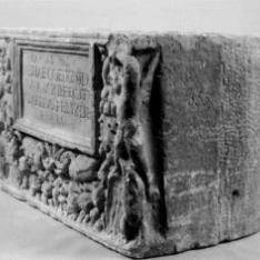 Urna cineraria romana