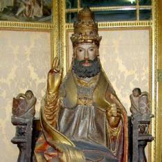 San Pedro entronizado