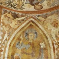 El Pantocrátor sostenido por cuatro ángeles. Pintura mural de la Iglesia de la Vera Cruz de Maderuelo.