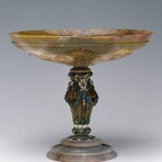 Copa de ágata con festones de uvas