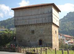 Visita a la casa-torre