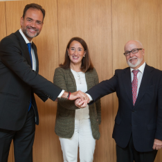 La Universidad de Navarra, Fundacom y Corporate Excellence - Centre for Reputation Leadership firman un acuerdo para formar a directivos de comunicación iberoamericanos