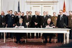 Guerra Freda (fàcil)