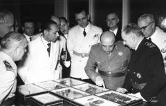 Francisco Franco (difficult)