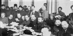 Russian Revolution (easy)