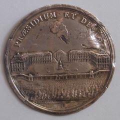 Reverso de la medalla que conmemora la construcción de la Plaza Real de Burdeos