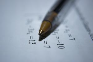Números y álgebra