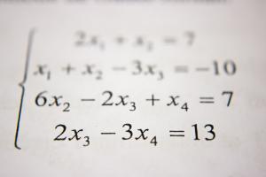 Ecuaciones y sistemas