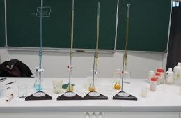 Les experts chimistes au travail