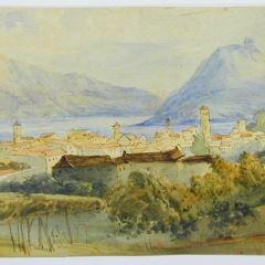 Vista de ciudad junto a un lago