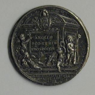Pruebadel reverso de la medalla de Oliver Cromwell
