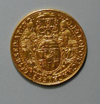 8 ducados