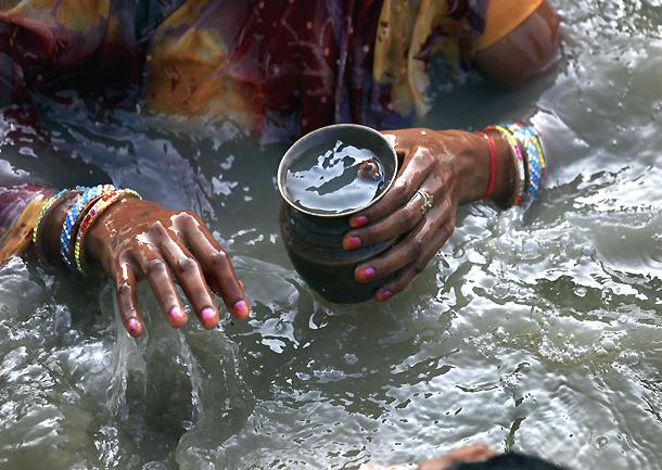 Esta agua, no este agua. Fundación del Español Urgente