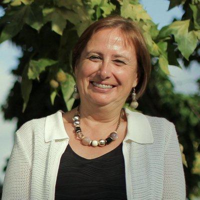Elena González-Cámara