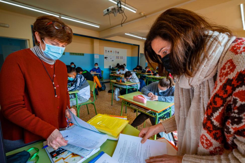 Coeducación: La revolución de los dos profesores en el aula se abre paso en la educación