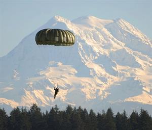 Make a Parachute - Experiments for Kids (Paracaídas - Experimento para niños)