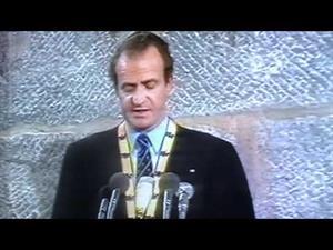 Rey Juan Carlos I recibe el premio Carlomagno. (1982)