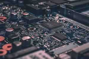 Circuitos eléctricos simples: Funcionamiento, elementos y magnitudes básicos. Representación en programas de simulación.