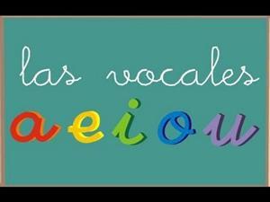 Aprendemos a escribir las vocales y su trazo con Orientación Andújar