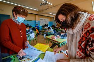Coeducación: La revolución de los dos profesores en el aula se abre paso en la educación (El País)