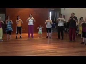 Tutira Mai Ngua Iwi, danza Maorí (Nueva Zelanda) -Curso de Fernando Polanco Uyá, Maoño (Cantabria) 2012-