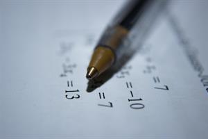 Problemas matemáticos interactivos sencillos