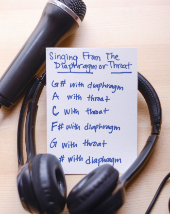 Can most people tell if a singer sings from the diaphragm or from the throat?