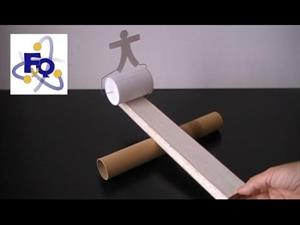 Experimento de física: Un monigote equilibrista