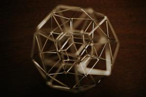 Figuras en el espacio: poliedros y no poliedros