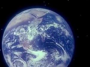 """Capitulo 2 de la serie COSMOS: """"Una voz en la fuga Cósmica"""" de Carl Sagan"""